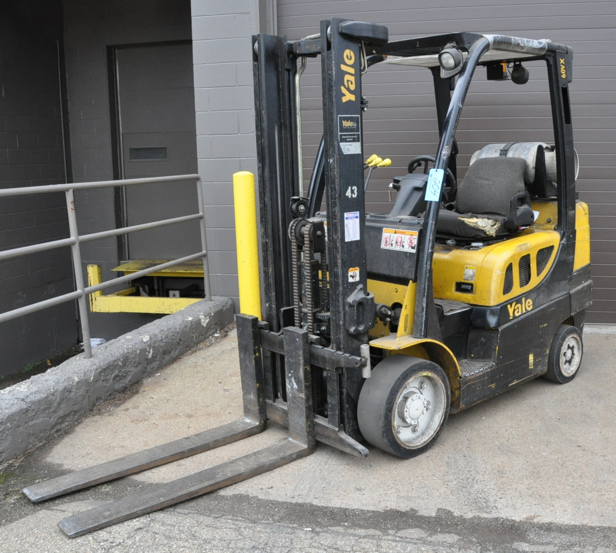 """Yale Model GLCO60VXNVSF085, 5,350-Lbs. x 122"""" Lift Capacity, LP Gas, Solid Tires, 48"""" Forks"""