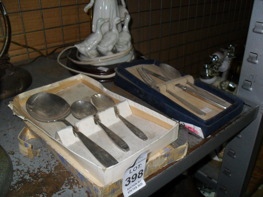 Lot 398 - 2 SETS OF VINTAGE CUTLERY IN BOXES
