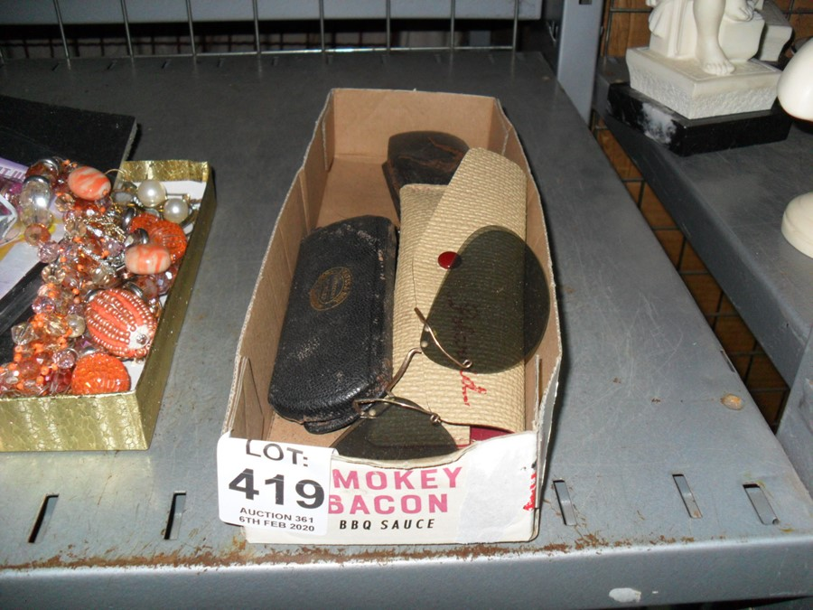 Lot 419 - BOX OF OLD CASES AND GLASSES