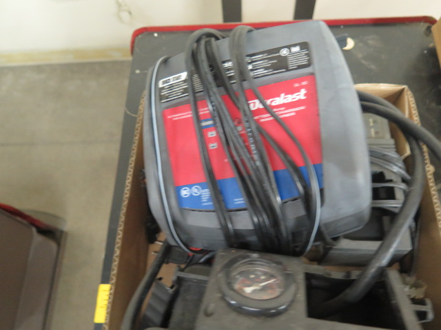 Battery Chargers - Image 2 of 3