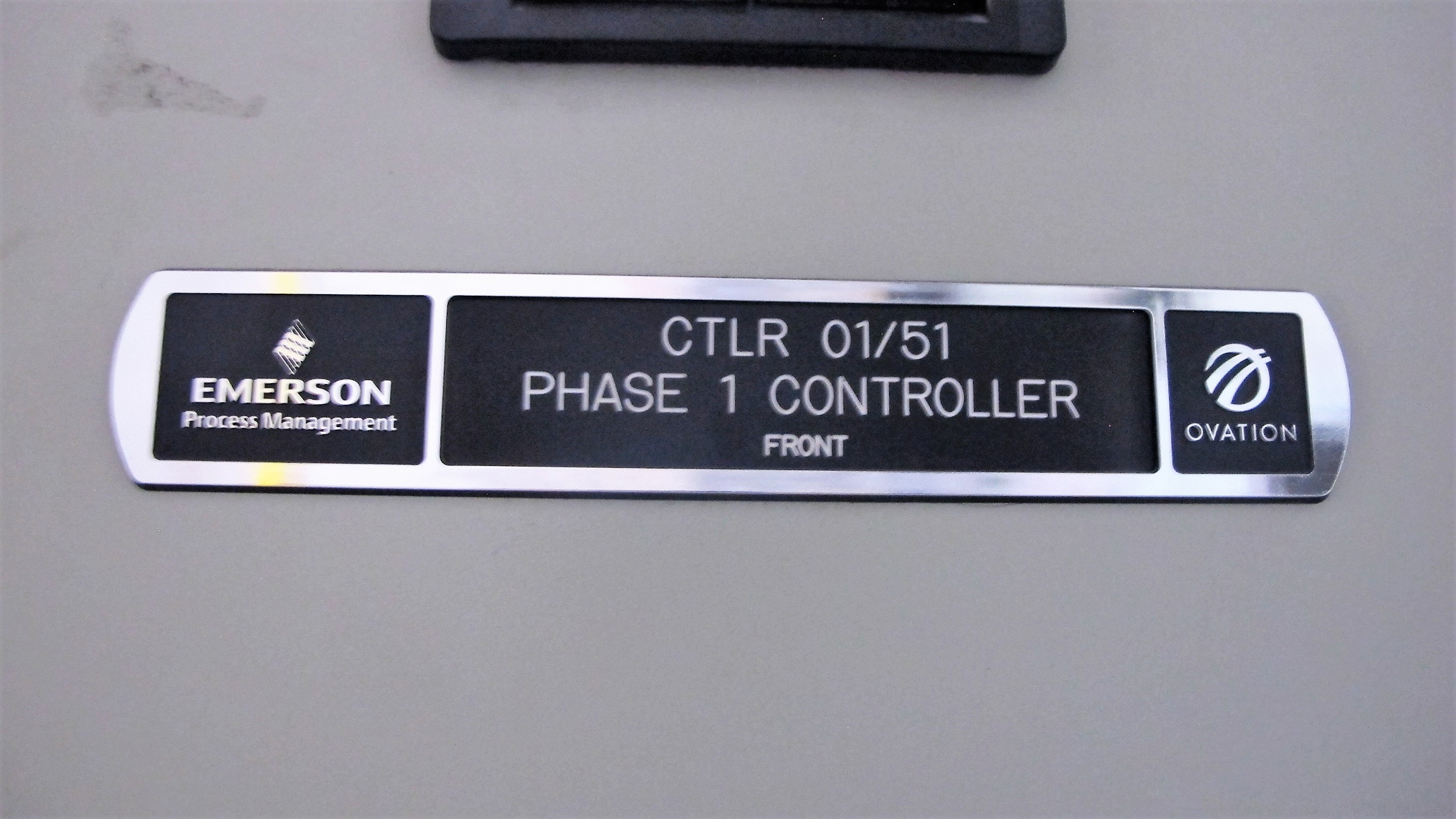 Lot 21 - (7) CONJOINED CABINETS W/ (1) EMERSON CTLR 0151 PHASE 1 CONTROLLER, MODEL ECOP12061-01, S/N 12061-