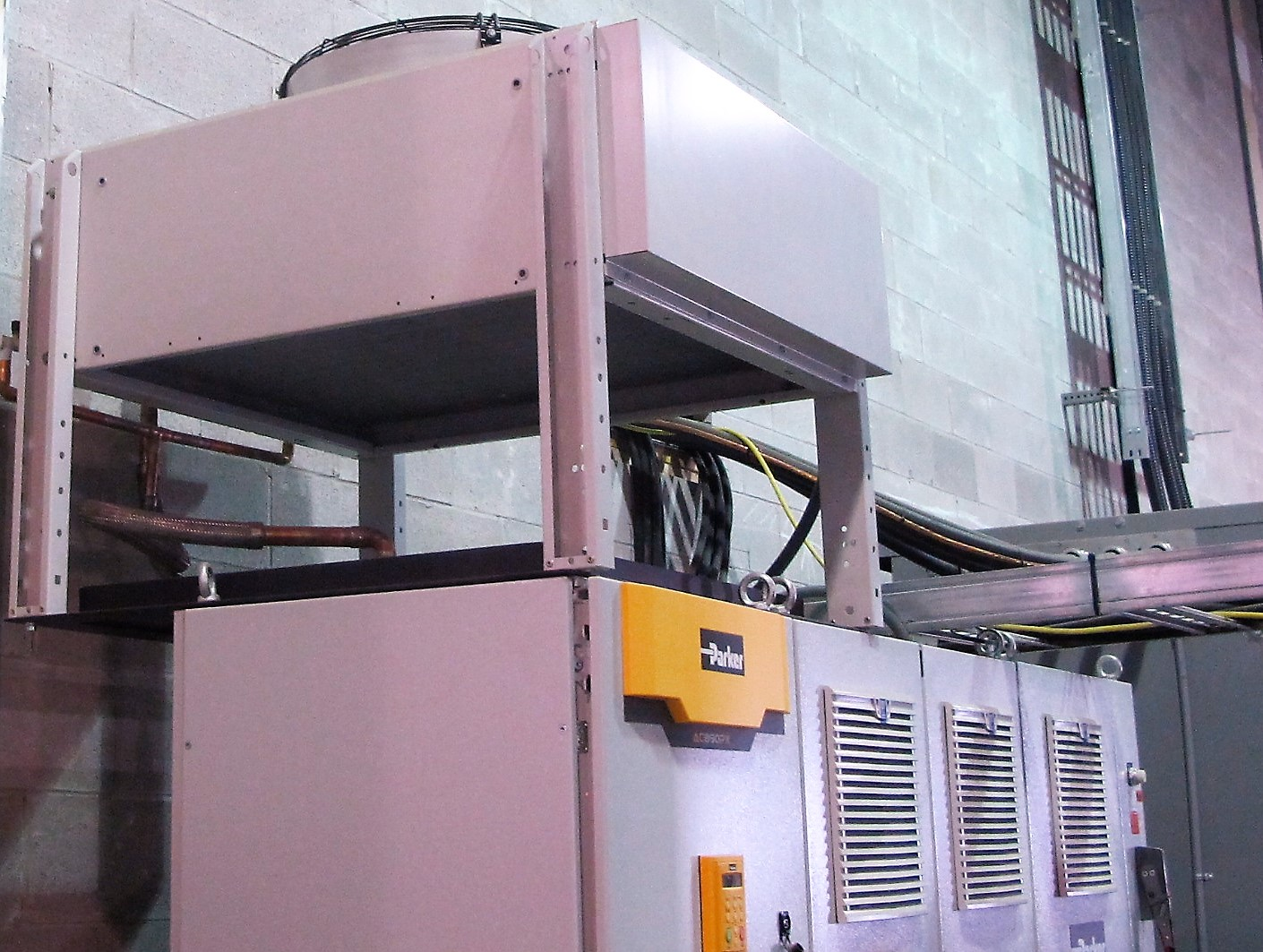 Lot 32 - (4) PARKER AC890PX ELECTRICAL TESTING CABINET W/COOLING TOWER AND CABLES TO 1-250KW VAULT PANEL