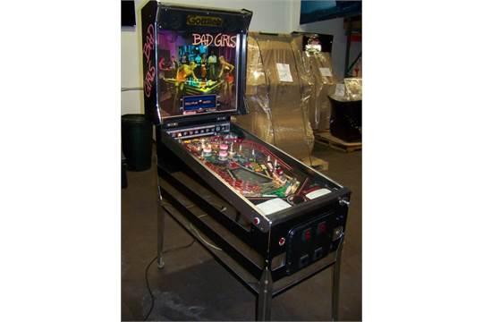 BAD GIRLS PINBALL MACHINE GOTTLIEB 1988 Item is in used