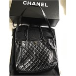 AMAZING CHANEL BLACK QUILTED LAMBSKIN TOTE HANDBAG WITH CHANEL AUTHENTICITY CARD