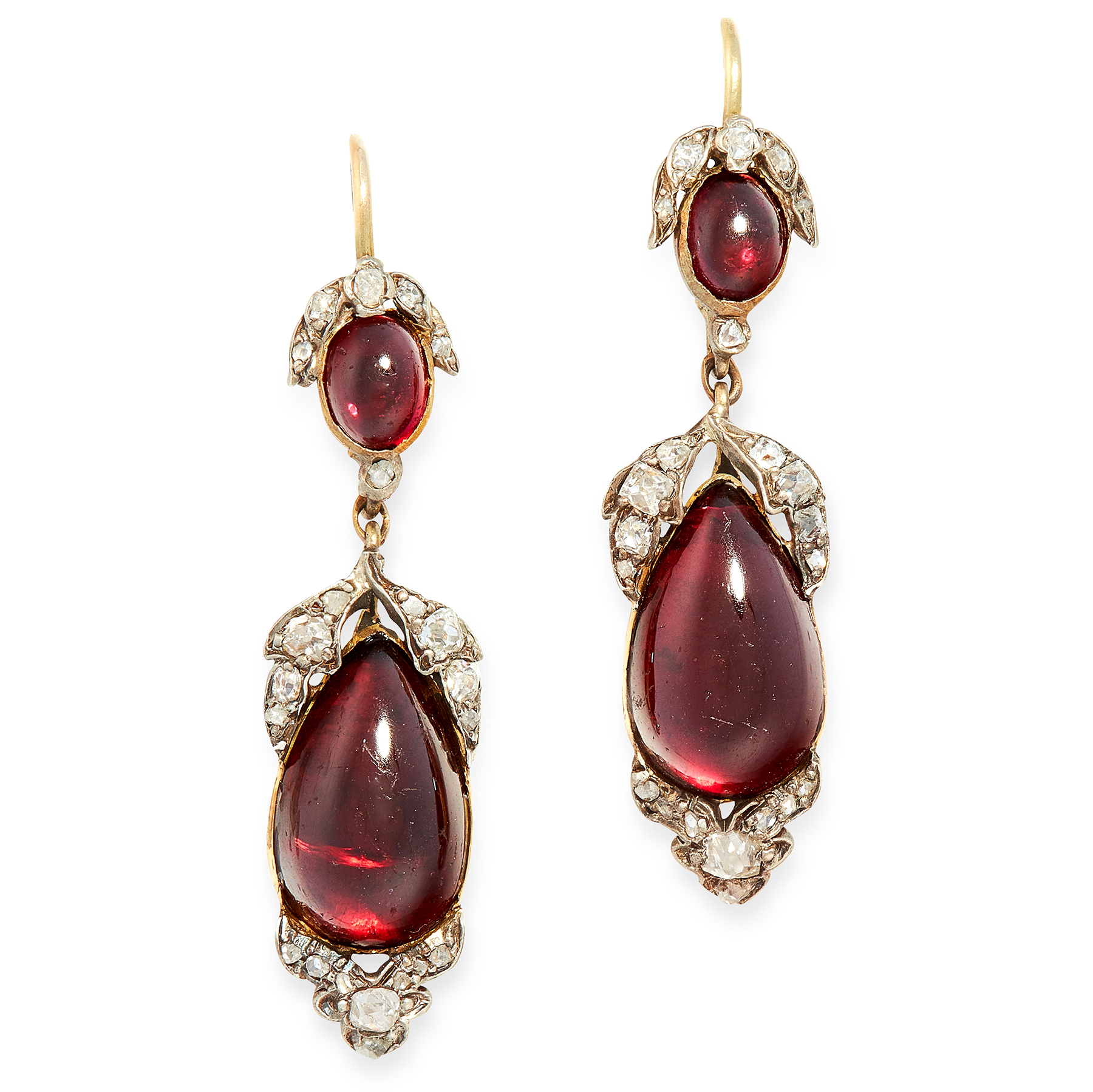 A PAIR OF ANTIQUE GARNET AND DIAMOND DROP EARRINGS in yellow gold and silver, each formed of a