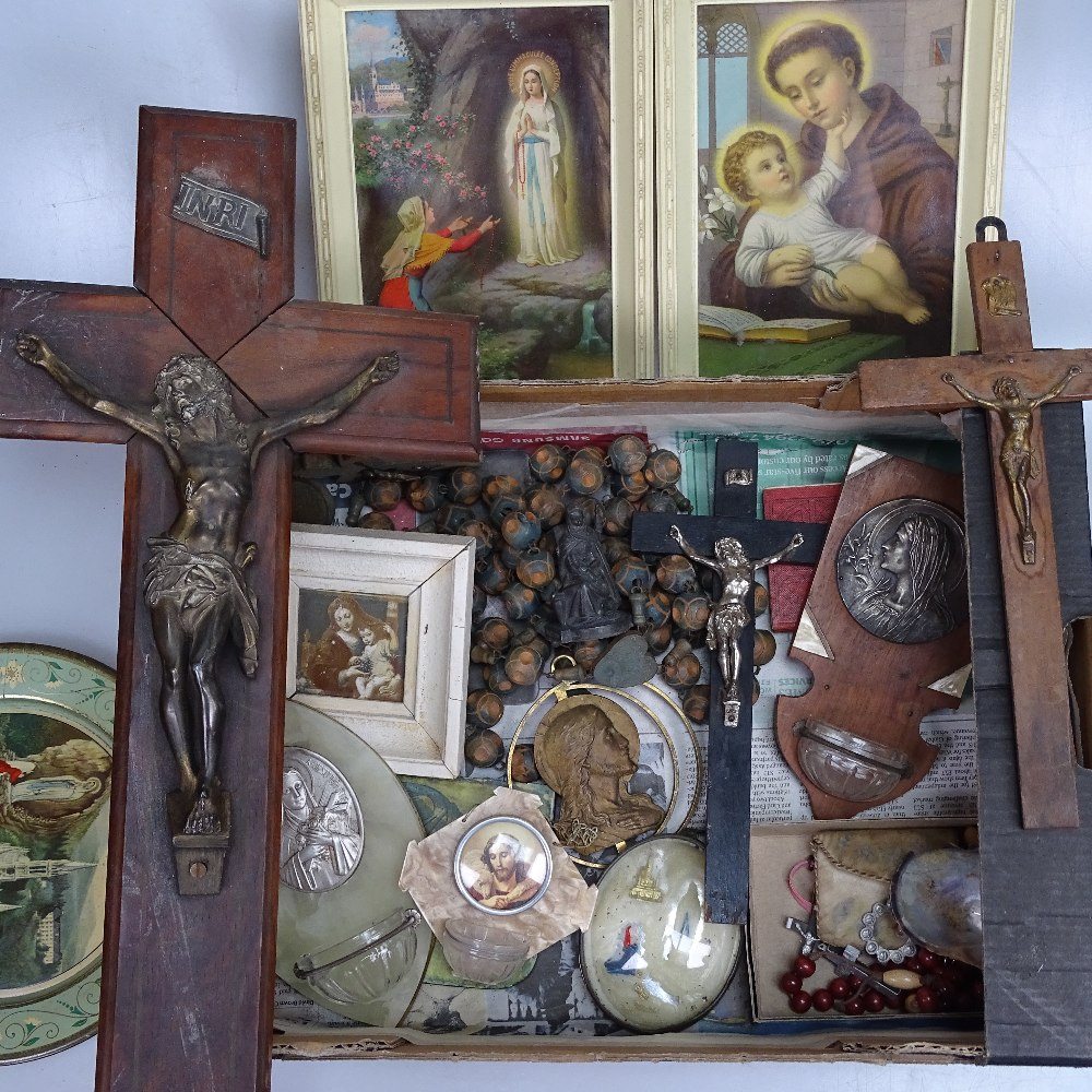 Lot 41 - Crucifixes and other religious items