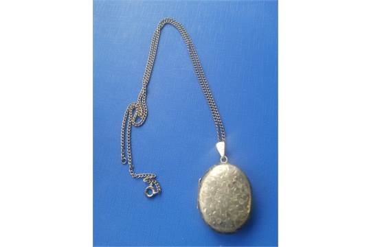 a vintage solid silver locket birmingham hallmarks maker joseph