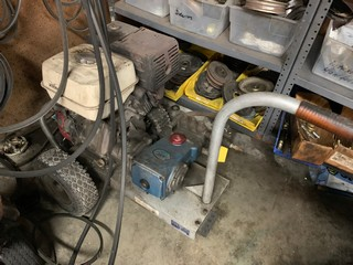 Lot 46 - PRESSURE WASHER WITH HONDA ENGINE