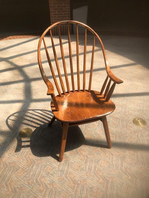 Wooden Hunt Oak Spinal Armed Chairs - Image 4 of 4