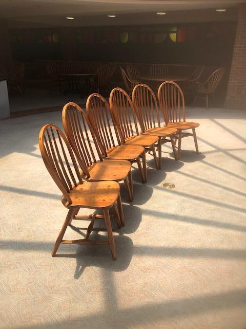 Wooden Hunt Oak Spinal Unarmed Chairs - Image 2 of 4
