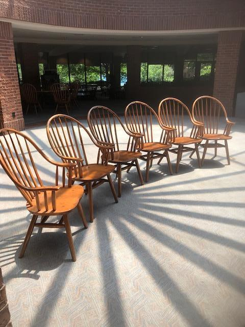 Wooden Hunt Oak Spinal Armed Chairs - Image 2 of 4