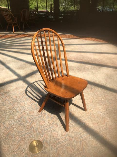 Wooden Hunt Oak Spinal Unarmed Chairs - Image 4 of 4