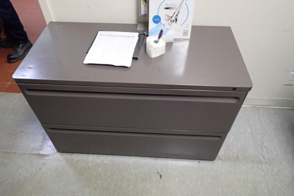 Contents of office, work surface wall track, 2 filing cabinets, 4 flip up doors, Fire Fyter safe - Image 5 of 6