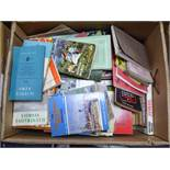 VINTAGE PAPERBACK PUBLICATIONS - A LARGE BOX OF VARIOUS FICTION AND NON FICTION, titles to