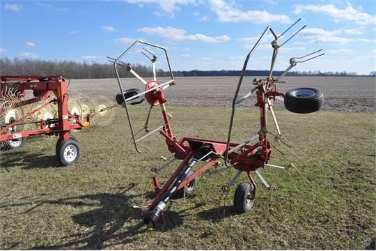 Sitrex ST520 4 spool hay tedder, pull type, manual fold, 540 PTO, SN