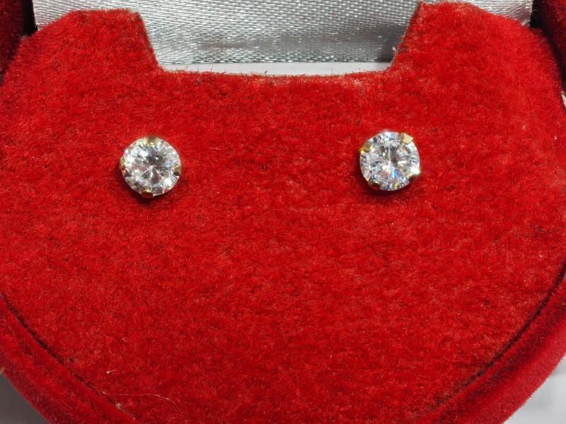 Lot 18 - 14K Gold Cubic Zirconia Stud Earrings, Retail $200 (MS19 - 16)