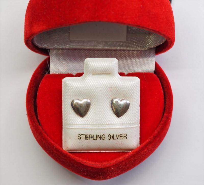Lot 37 - Sterling Silver Heart Shapped Earrings, Retail $40 (E10)