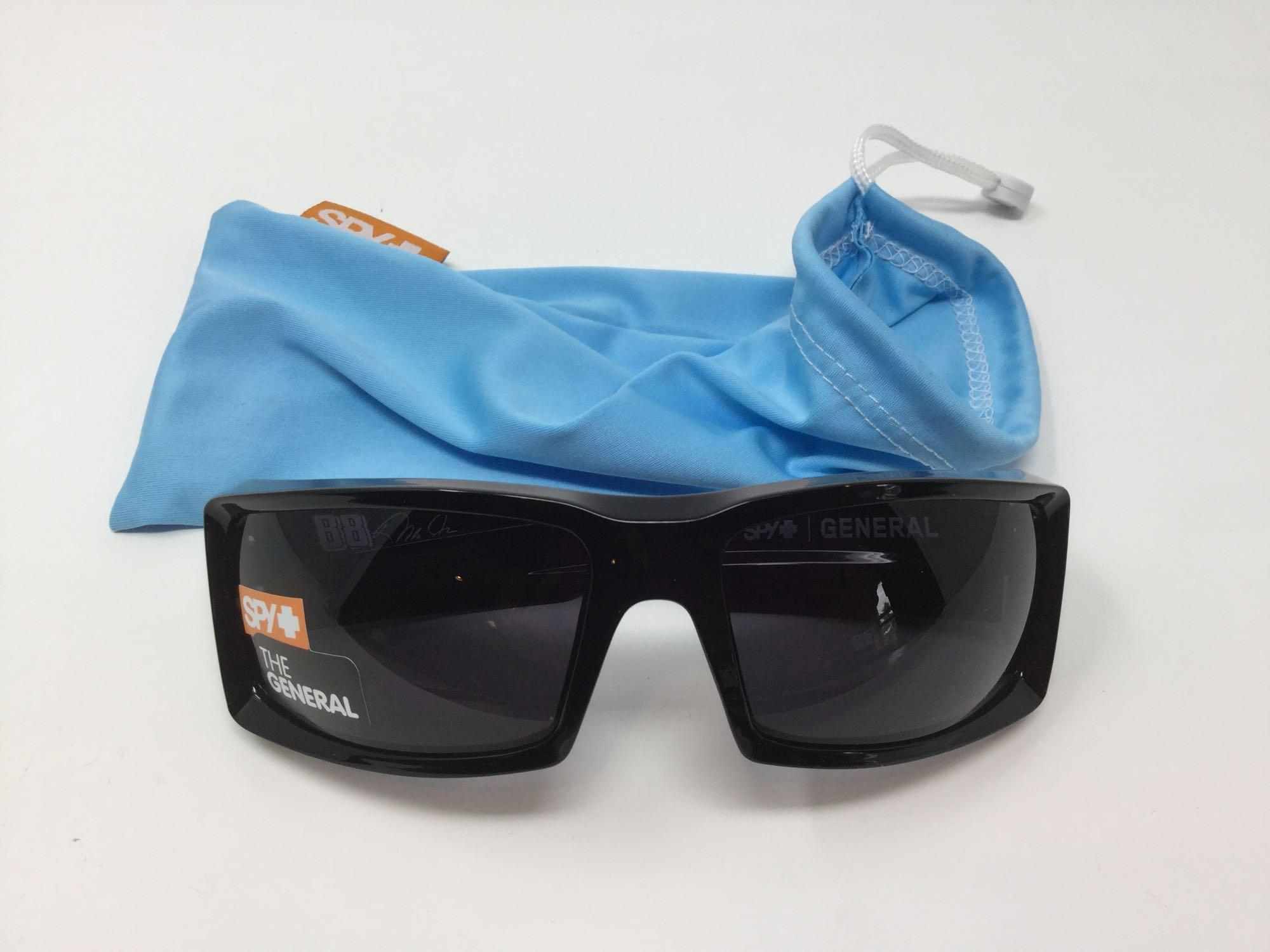 "Lot 14 - Spy Sunglasses ""The General"""