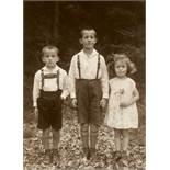August SanderHans, Fritz und Ursula Schumacher, OberölfenVintage, Gelatinesilberabzug. 14,6 x10,6