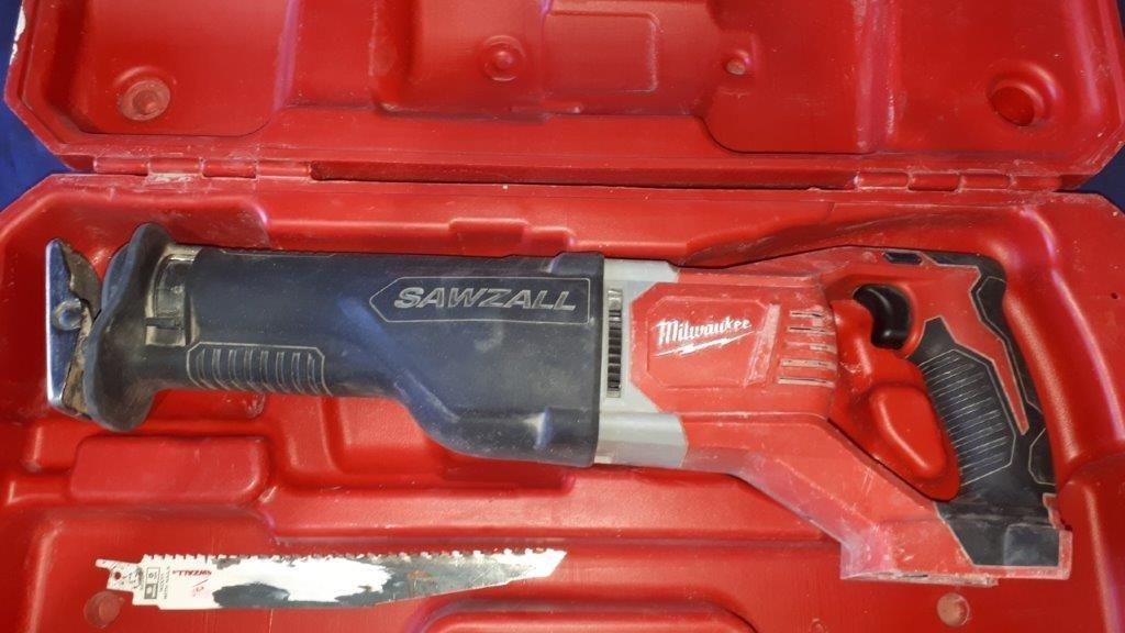 Lot 237 - MILWAUKEE Cordless SAWZALL (no battery)