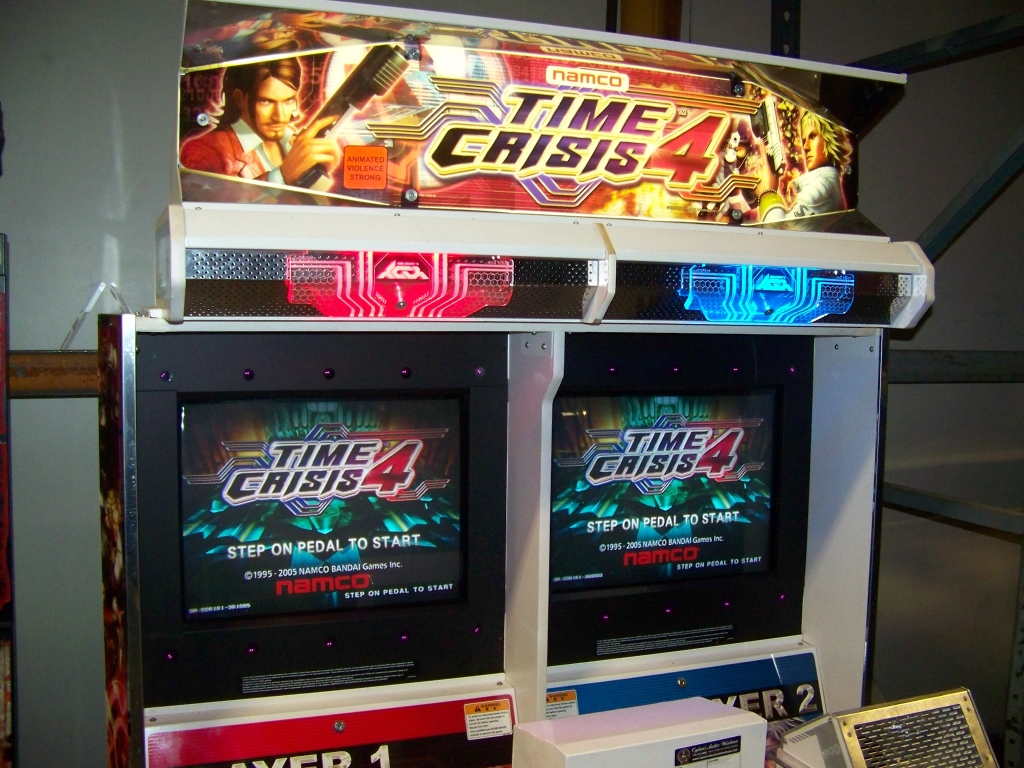 Lot 164 - TIME CRISIS 4 TWIN SHOOTER ARCADE GAME NAMCO