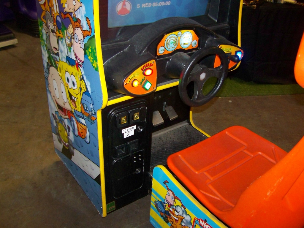 Lot 154 - NICKTOONS RACING SITDOWN ARCADE GAME CHICAGO COIN