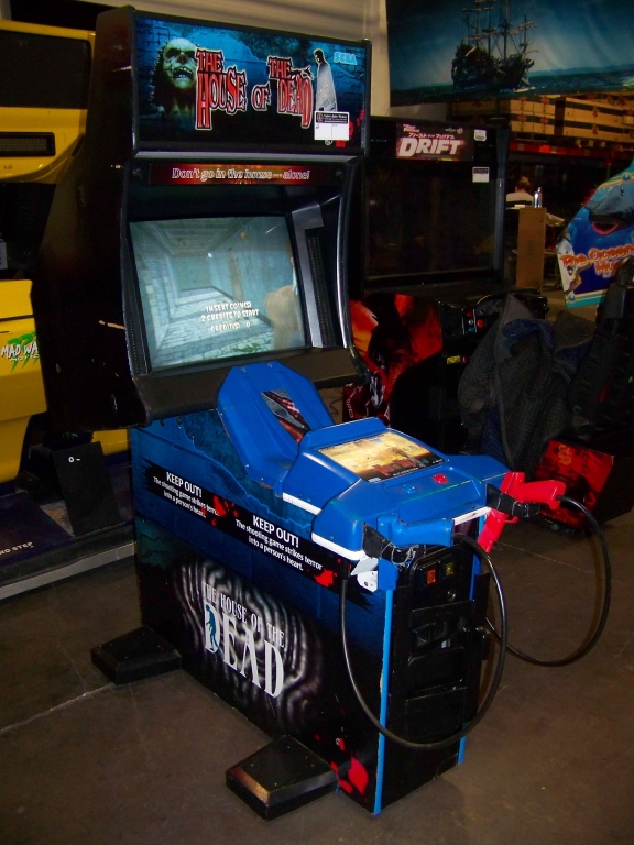 Lot 197 - THE HOUSE OF THE DEAD ZOMBIE SHOOTER ARCADE GAME