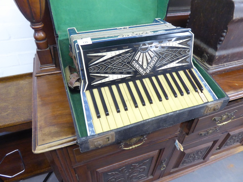Lot 135 - GERALDO, ITALY, EARLY TWENTIETH CENTURY 'STANDARD' PIANO ACCORDION WITH 48 BUTTONS AND JEWELED