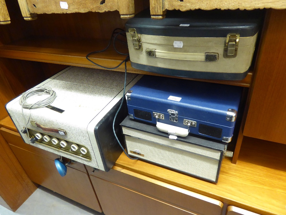 Lot 136 - RETRA REEL TO REEL TAPE RECORDER, WITH CARRY HANDLE, A FIDELTY 'AGYLE MINOR' 4 REEL TO REEL TAPE