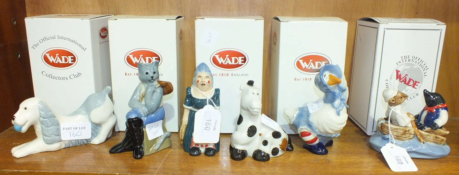 Lot 160 - A Wade International Collectors Club 'The Wind in the Willows Special' figure group, 8.5cm high