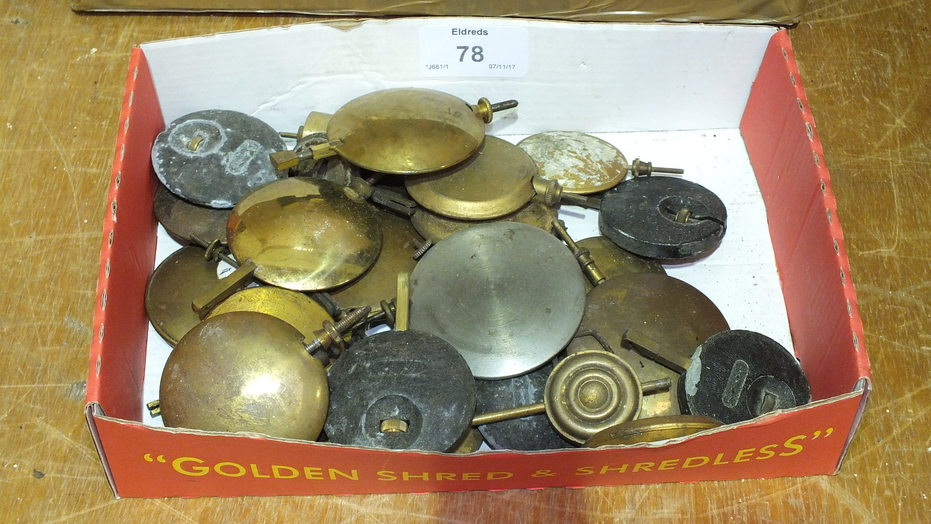 Lot 78 - A collection of various mantel clock movements and pendula, (a/f).