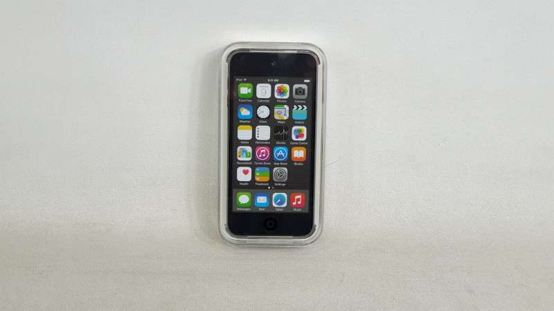 Lote 1240 - 16GB IPOD TOUCH