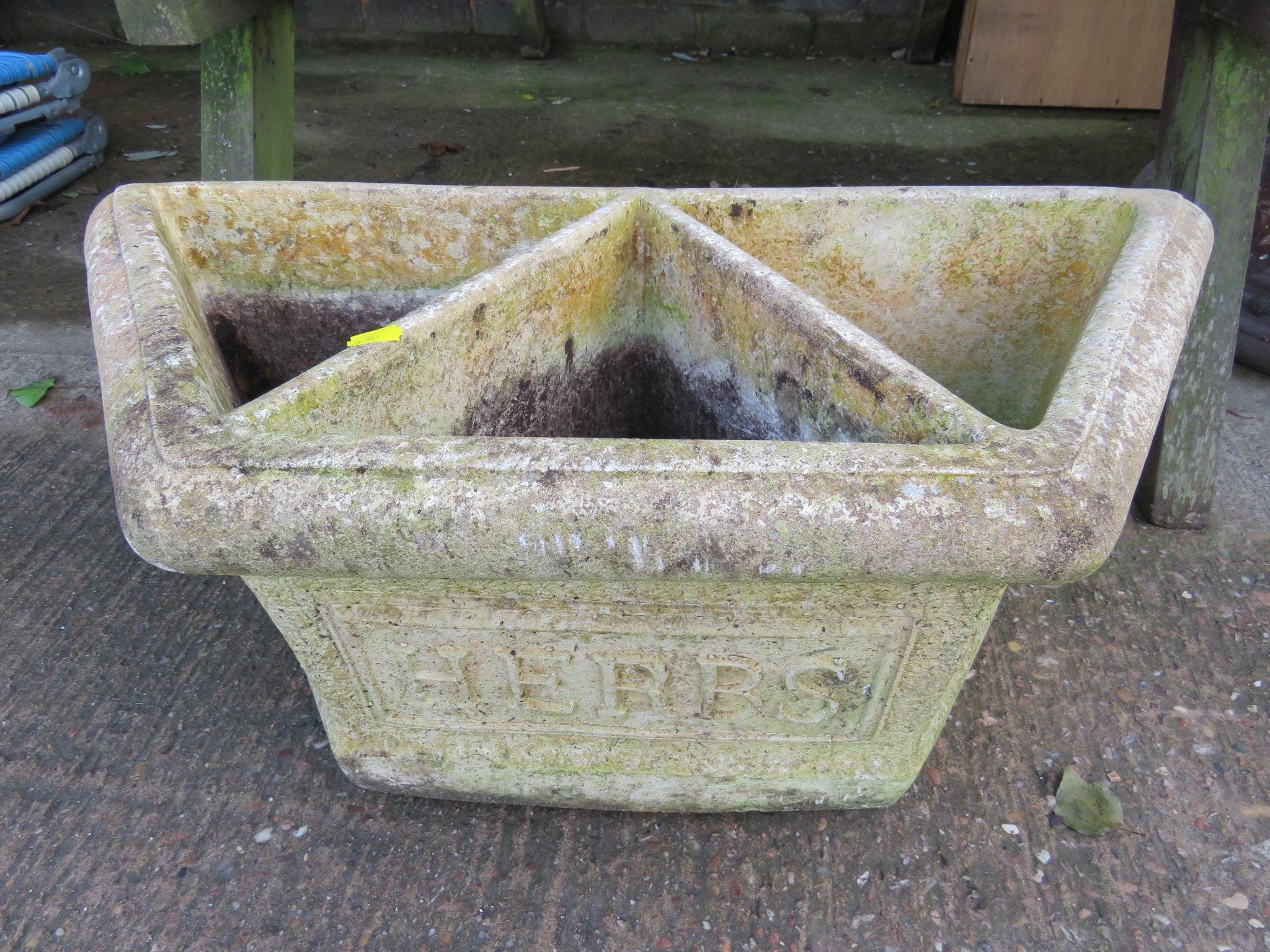 Lot 11 - COMPOSITE STONE THREE COMPARTMENTED HERB PLANTER