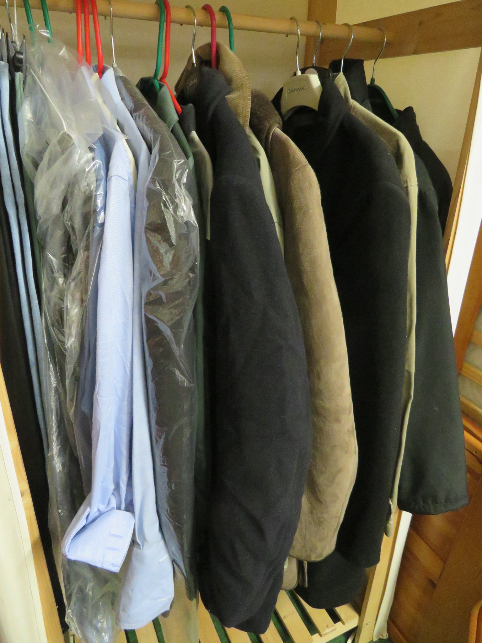Lot 61B - ASSORTED MEN'S CLOTHING INCLUDING SHIRTS, TROUSERS AND JACKETS