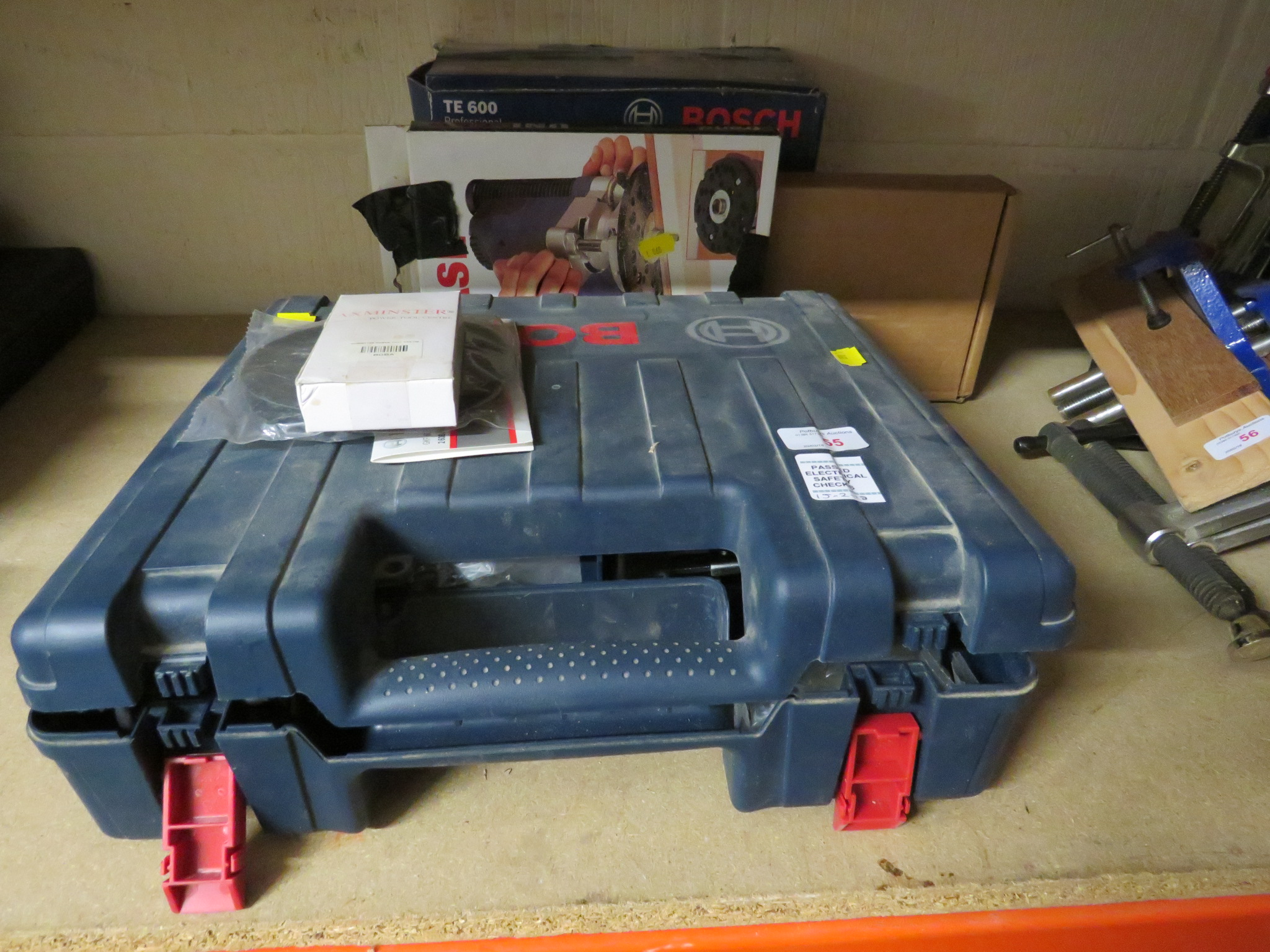 Lot 55 - CASED BOSCH GKF 600 PROFESSIONAL PALM ROUTER, BOXED BOSCH TE600 PLUNGE BASE, TREND UNIBASE, BOX OF