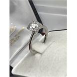 2.01ct DIAMOND SOLITAIRE RING