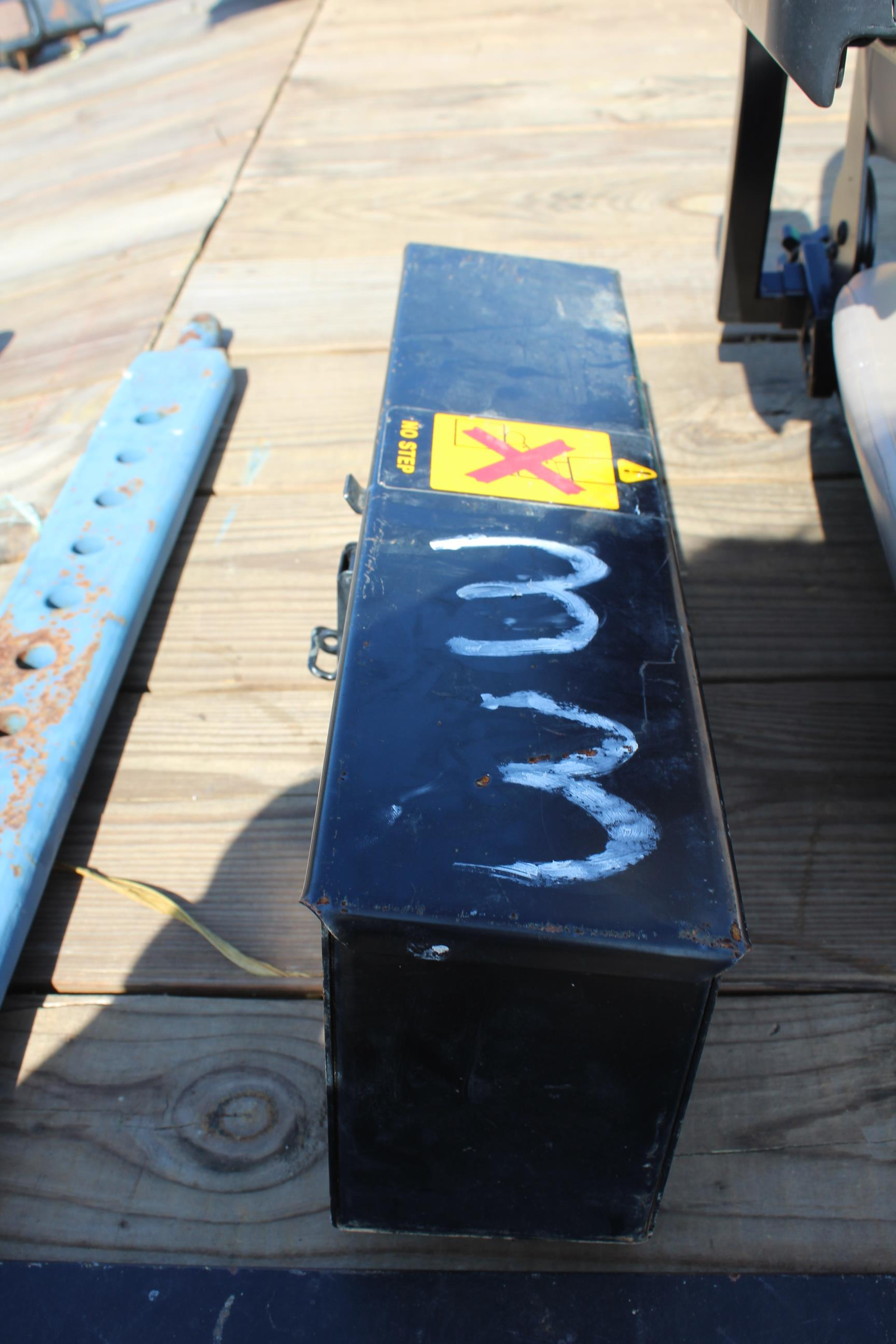 Lot 33 - TRACTOR TOOL BOX