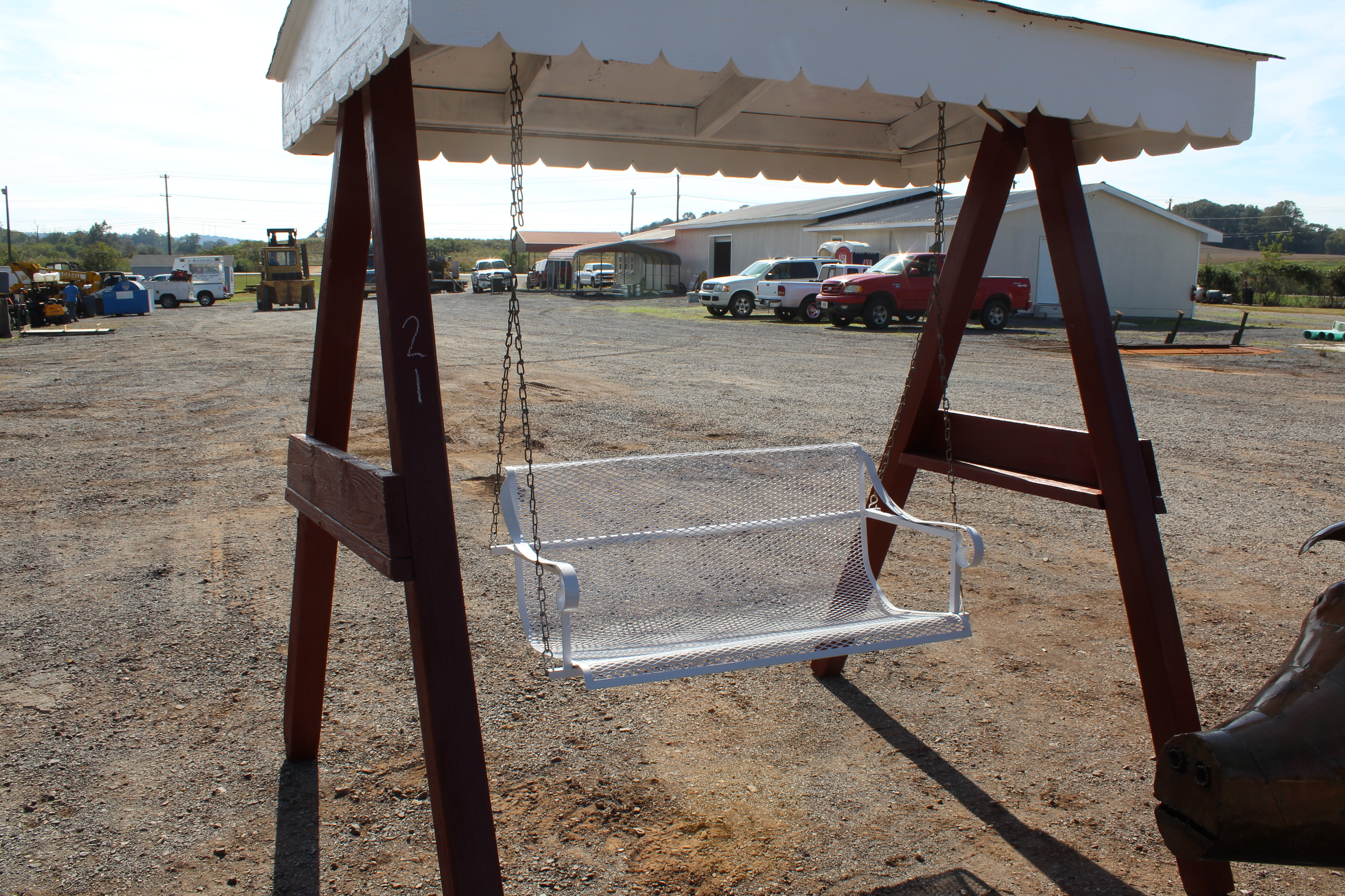 Lot 21 - 4' SWING W/ STAND