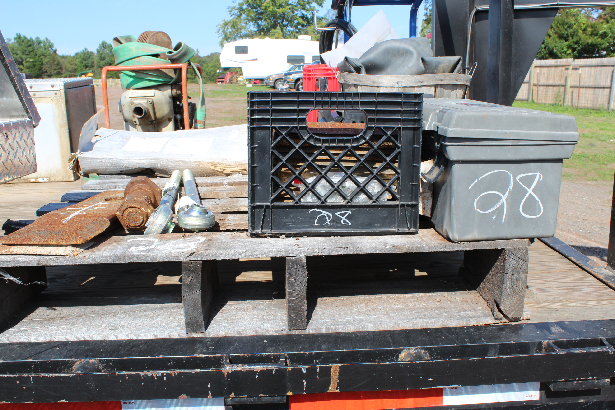 Lot 28 - PALLET OF CHIPPER PARTS
