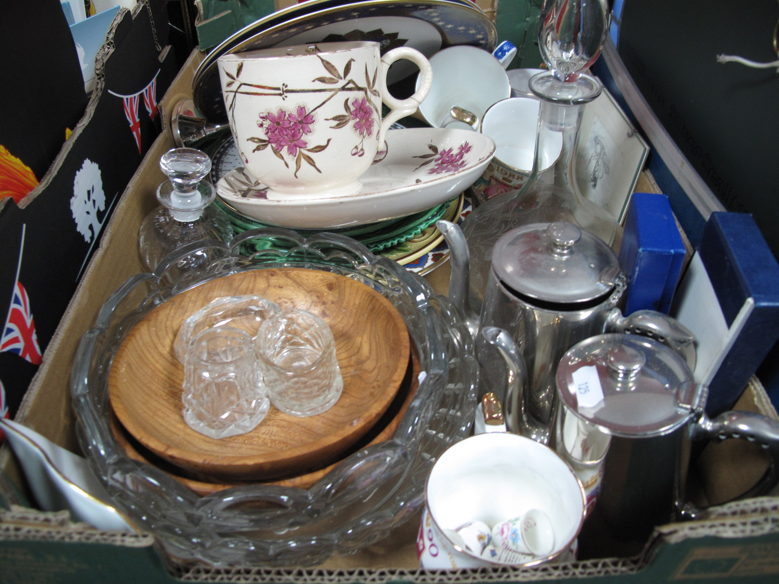 Lot 16 - A Spode Millennium Achievements Plate, green leaf plates, breakfast cup and saucer, commemorative