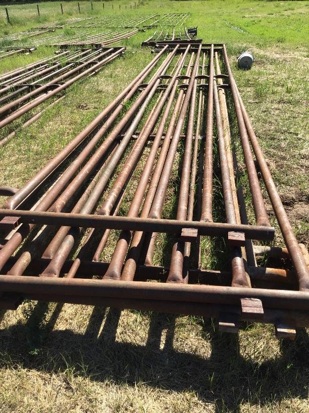Lot 109 - (4)-30ft Stock Panels. Selling by the piece x 4.
