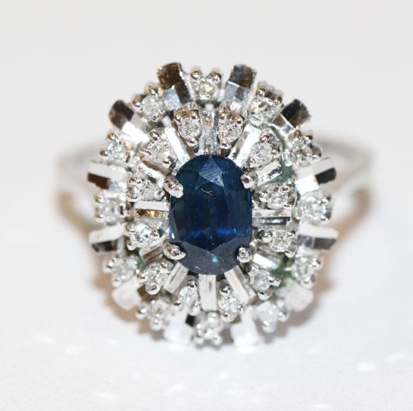 18 k Weißgold Ring mit Safir und 24 Diamanten, klassische Handarbeit, Gr. 52