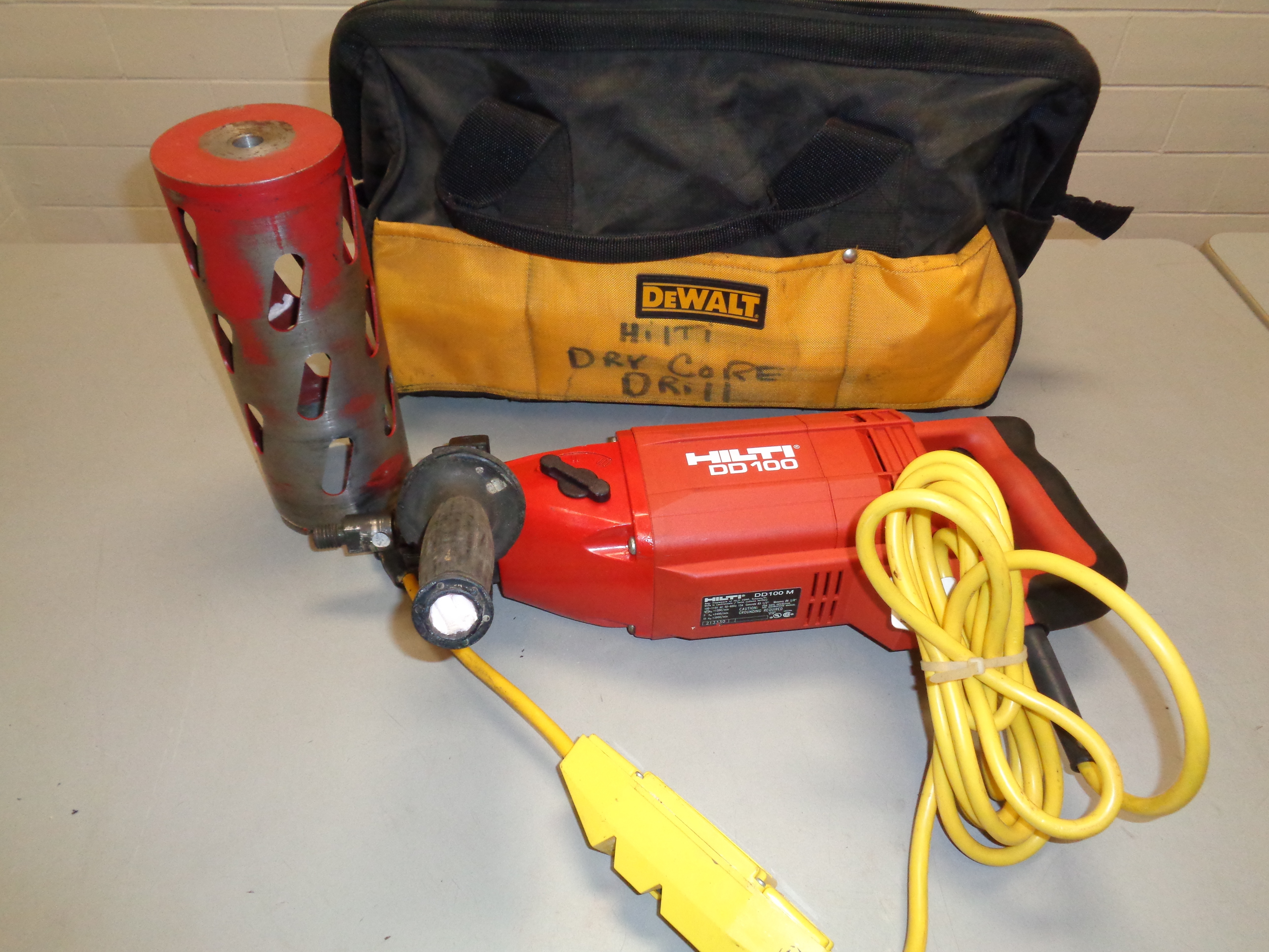 Lot 17 - Hilti DD100 Core Drill