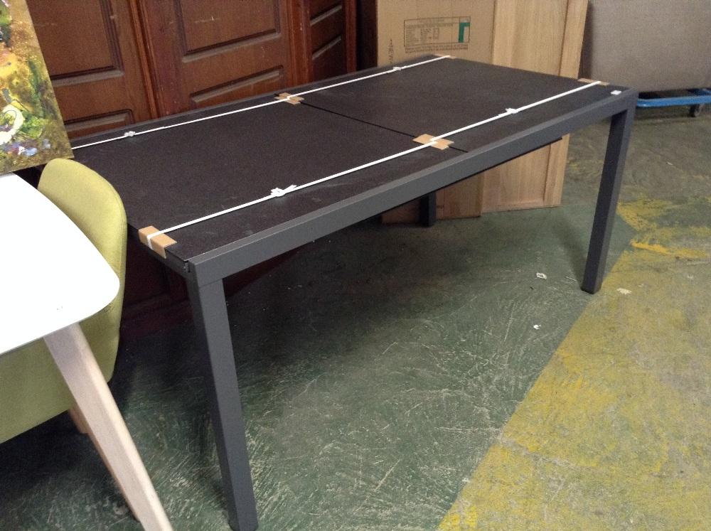 Lot 70 - garden table (HBYL1022 - 11860/8)