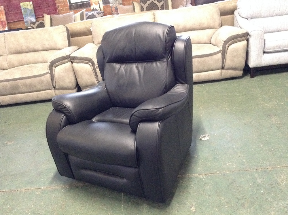 Lot 44 - BLACK LEATHER CHAIR (TROO1648-WOO556527)
