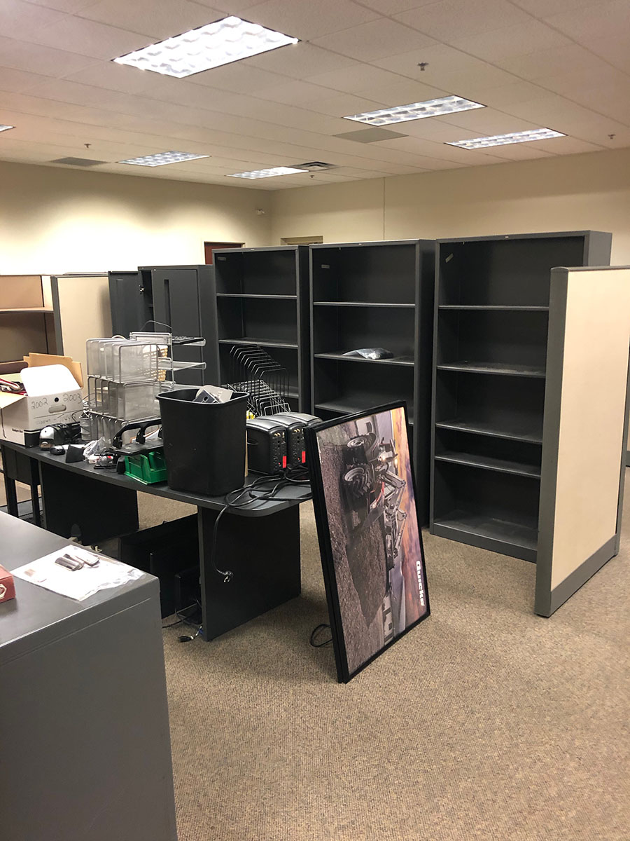 Lot 390 - CONTENTS OF AREA; (6) MODULAR OFFICES & (4) FILE CABINETS