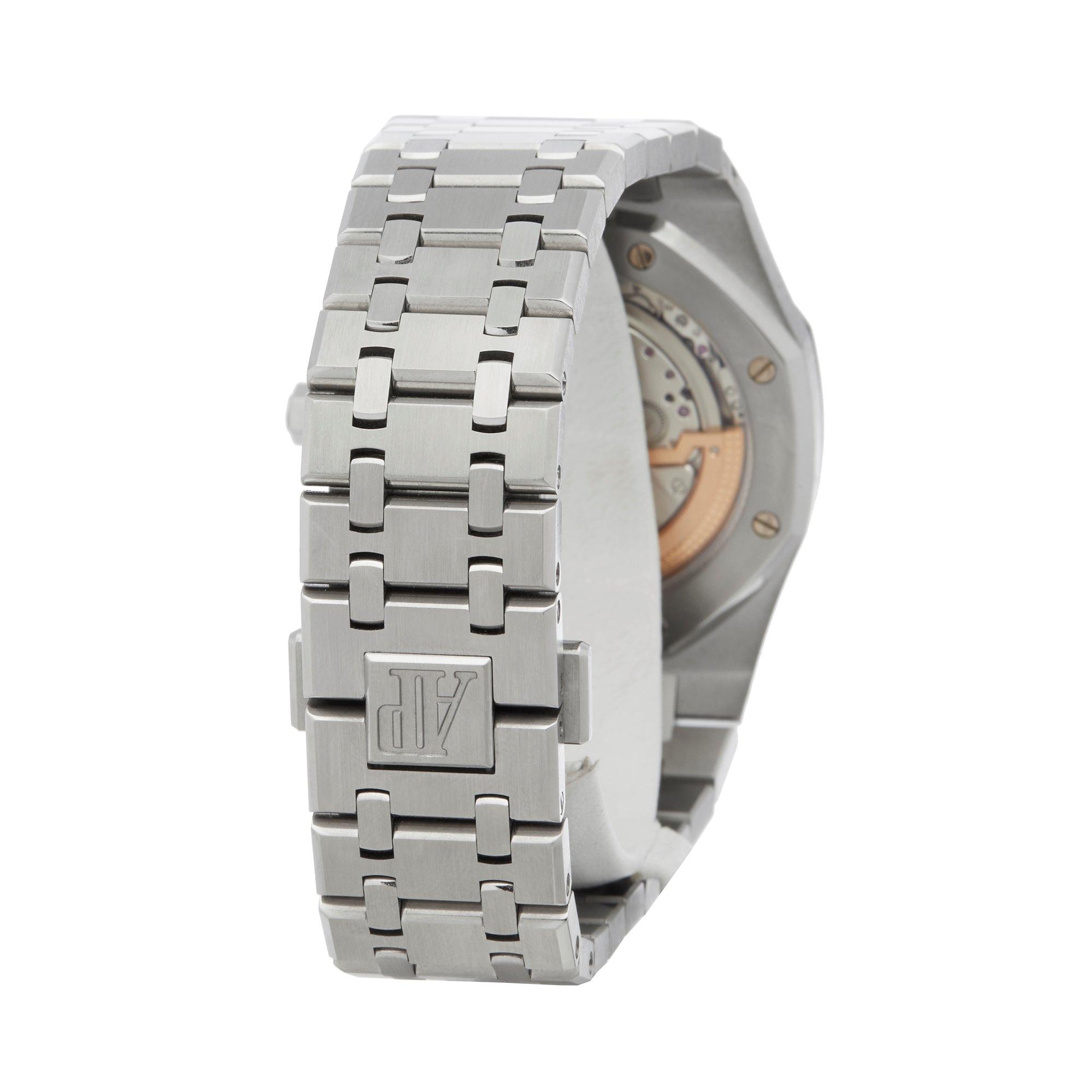 Lot 26 - Audemars Piguet Royal Oak Boutique Jumbo Ultra Thin Stainless Steel - 15202ST.OO.1240ST.01