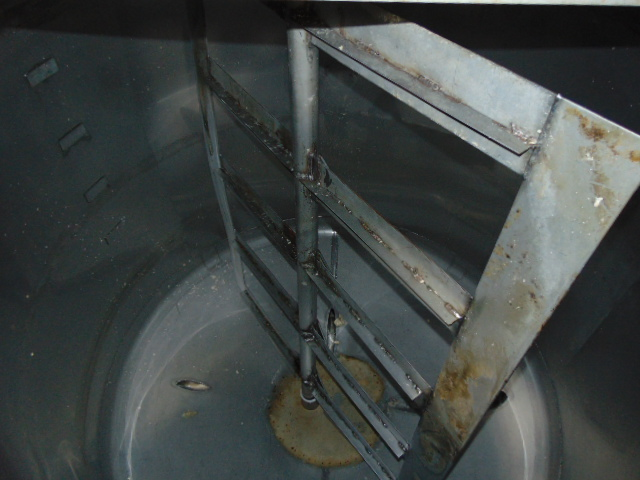 STAINLESS STEEL CONE BOTTOM AGITATED TANK, TAIWAN PULP MACHINERY MDL. TPM-HLPWTAE, 600 gal. cap., - Image 4 of 5