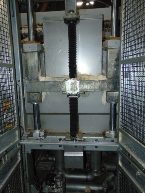 THERMOFORMING MACHINE, TAIWAN PULP MOLDING MDL. TPM-1500, mfg. 5/2015, installed 2016, 1500mm x - Image 7 of 11
