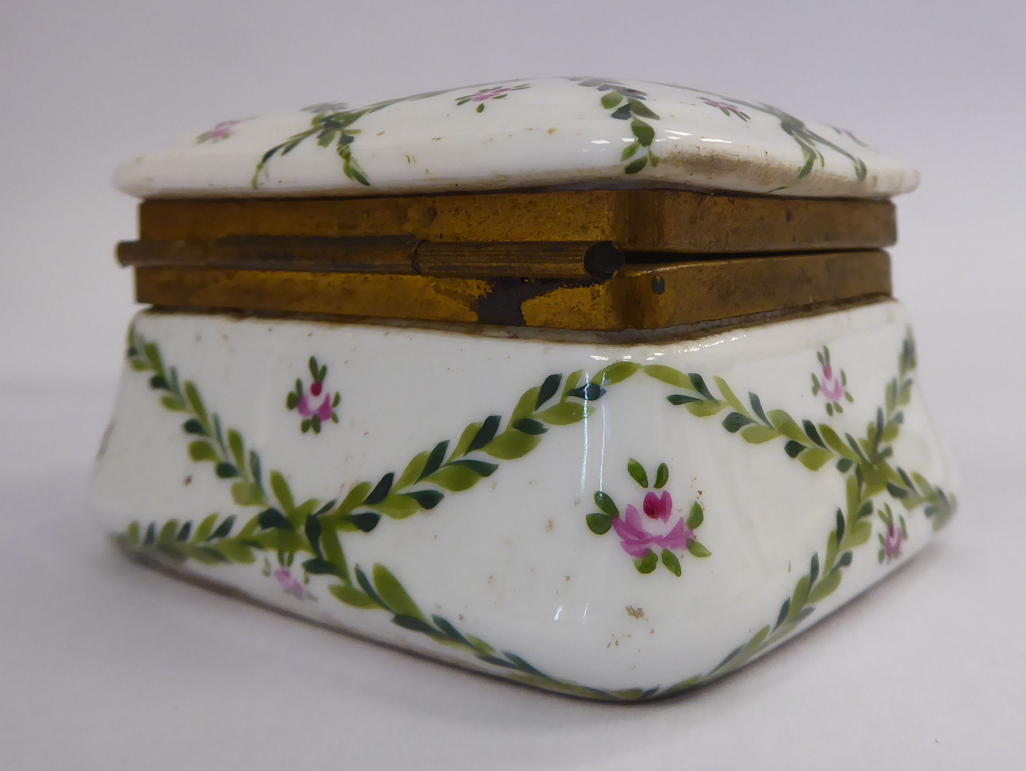 Lot 7 - A late 19thC Continental porcelain trinket box of square,